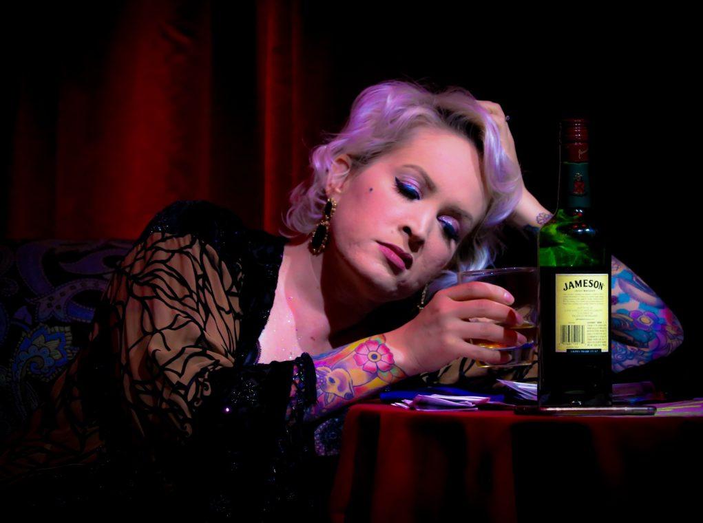 uzależnienia kobieta alkohol