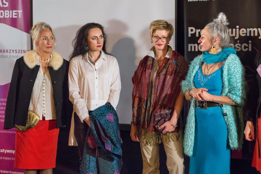 modelki wraz ze stylistką Moniką Mol