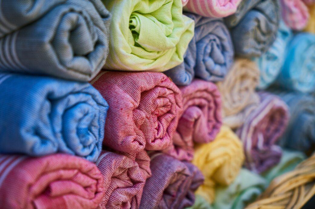 tkanina w rolkach
