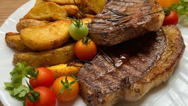smażone mięso i warzywa