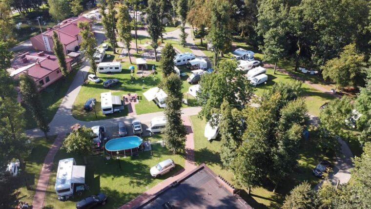 camping z lotu drona