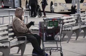 bieda dotyka częściej starsze samotne osoby